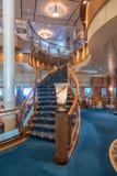 Restaurangtrappuppgång för RMS Queen Mary 2 Britannia Royaltyfri Foto