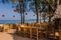 Restaurant auf Knall-Tao -Strand, Phuket, Thailand Stockfotos