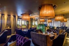 Restaurant binnenlands schot Royalty-vrije Stock Afbeelding