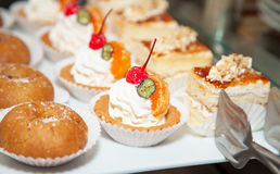 Restaurant buffet reception cake photo 17 Royalty Free Stock Images