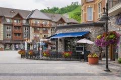 Restaurant dans le village de montagne bleu, Collingwood, Canada Images libres de droits