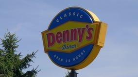 Restaurant de Dennys American Diner - LOUISVILLE, Etats-Unis - 14 JUIN 2019 clips vidéos