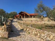 Restaurant de Fountouklis dans la montagne servant la meilleure viande et la meilleure vue images stock