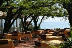 restaurant de lac de l'Italie de garda Photographie stock libre de droits