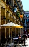 Restaurant de rue chez Placa Reial, Barcelone image stock