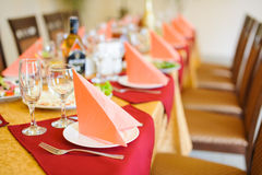 Restaurant dinner table place setting Royalty Free Stock Photos
