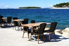 Restaurant durch das Meer Lizenzfreie Stockbilder
