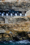 Restaurant in einer Höhle Stockbilder