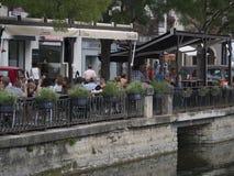 Restaurant en L'Isle-sur-La-Sorgue Images libres de droits