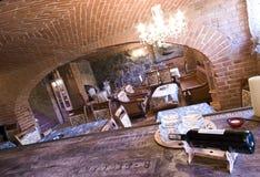 Restaurant en sous-sol de brique photographie stock