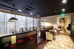 Restaurant européen dans des couleurs lumineuses Photo stock