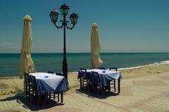 Restaurant extérieur grec traditionnel Images libres de droits
