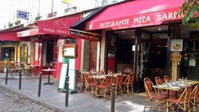Restaurant français extérieur à Paris photographie stock