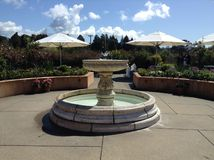 Restaurant-Garten-Einstellung im Freien lizenzfreie stockfotografie