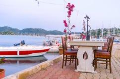 Restaurant im Hafen Stockbilder