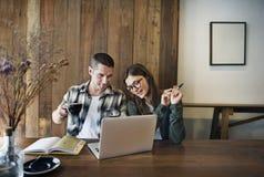 Restaurant-Konzept Paare Barista Coffee Shop Service lizenzfreies stockfoto