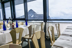 Restaurant mit einer Ansicht Stockfotografie