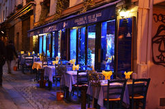 Restaurant in 's nachts Parijs Royalty-vrije Stock Fotografie