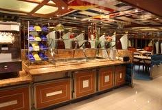 Restaurant sur la côte Deliziosa de bateau de croisière Image libre de droits