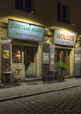Restaurant sur la rue de Szeroka - Cracovie Images stock