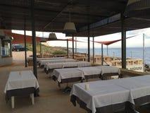 Restaurant vide à Lisbonne la Riviera Photographie stock libre de droits