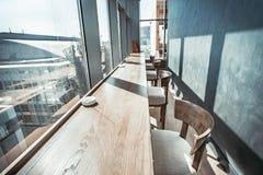 Restaurantbinnenland met panorama Royalty-vrije Stock Foto's