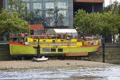 Restaurantboot op de Rivier Theems Royalty-vrije Stock Foto