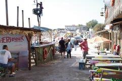 Restaurante al aire libre Cherhana de la playa en Vama Veche en Rumania Foto de archivo libre de regalías