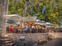 Restaurante al aire libre de Provence Fotografía de archivo
