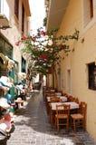 Restaurante al aire libre en ciudad vieja Imagen de archivo libre de regalías