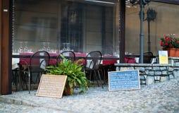 Restaurante al aire libre en Varenna Foto de archivo libre de regalías