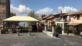 Restaurante al aire libre Lo Sfizio Del Lago Anguillara Sabazia Italy almacen de metraje de vídeo