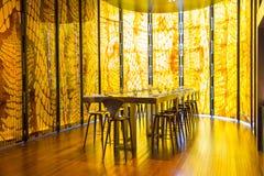 Restaurante amarillo Fotografía de archivo libre de regalías