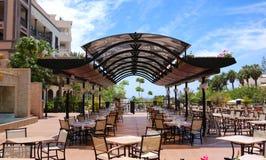Restaurante ao ar livre com uma vista em Oceano Atlântico Imagem de Stock