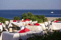 Restaurante com opinião do mar Imagem de Stock
