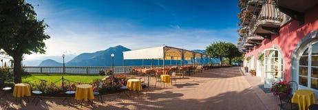 Restaurante com uma vista Fotografia de Stock Royalty Free