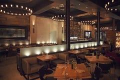 Restaurante de la noche en el distrito del entretenimiento Foto de archivo