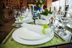 Restaurante de la tabla de la porción Imagen de archivo