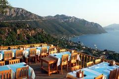 Restaurante de la terraza del aire abierto para arriba en la colina Imágenes de archivo libres de regalías