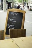 Restaurante de París del menú de la calle Fotografía de archivo