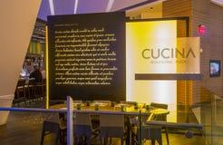 Restaurante de Wolfgang Puck Cucina fotos de stock