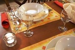 Restaurante Decked da tabela Fotografia de Stock Royalty Free