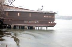 Restaurante del lago imagen de archivo