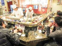 Restaurante del sushi en Tokio Fotografía de archivo libre de regalías