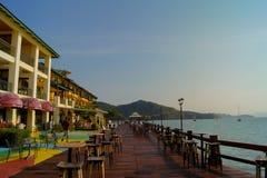 Restaurante do hotel na praia em langkawi Imagens de Stock Royalty Free