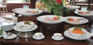 Restaurante do pequeno almoço do bufete fotografia de stock