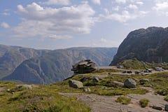 Restaurante en el acantilado en Lysefjord, Noruega Fotos de archivo