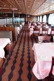 Restaurante en el barco de cruceros. Foto de archivo