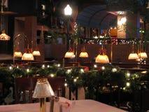 Restaurante en el tiempo de la Navidad Fotos de archivo