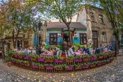 Restaurante en la calle vieja Skadarlija, Belgrado, Serbia Foto de archivo libre de regalías